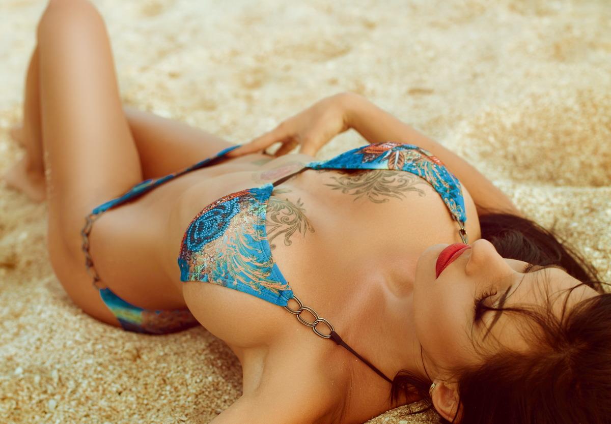Sexy Girl im Sand