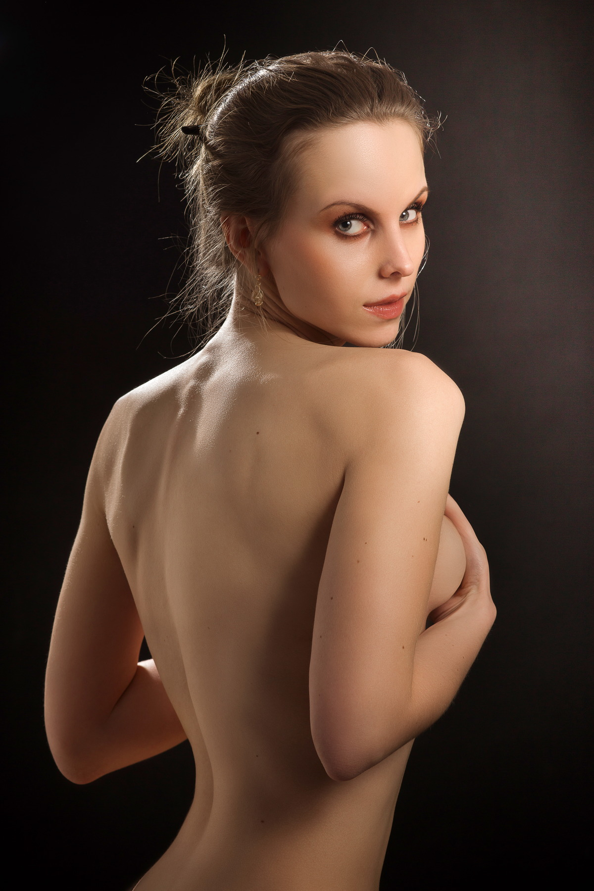 Sexy Girl guckt geheimnisvoll