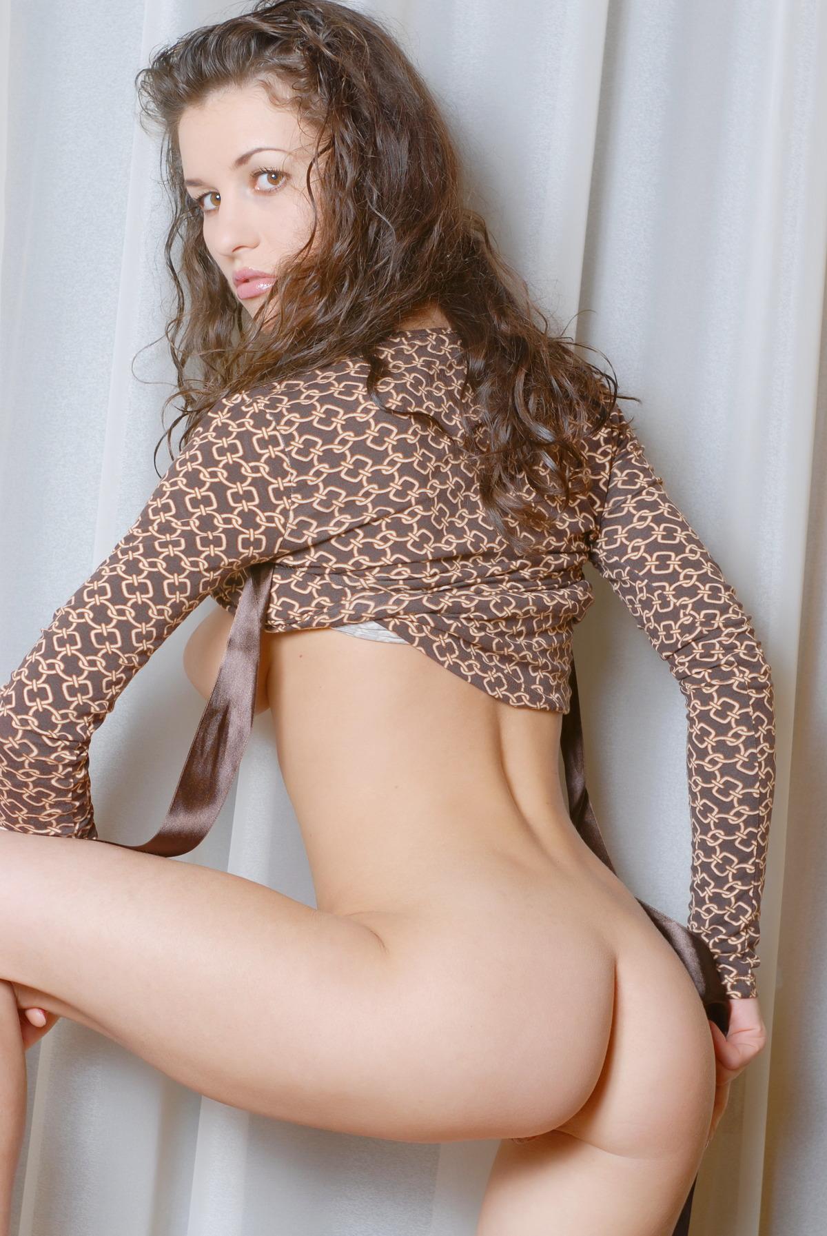 Sexy Girl zieht sich aus