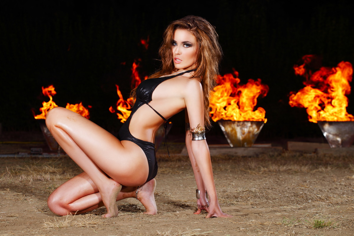 Sexy Feuer-Girl
