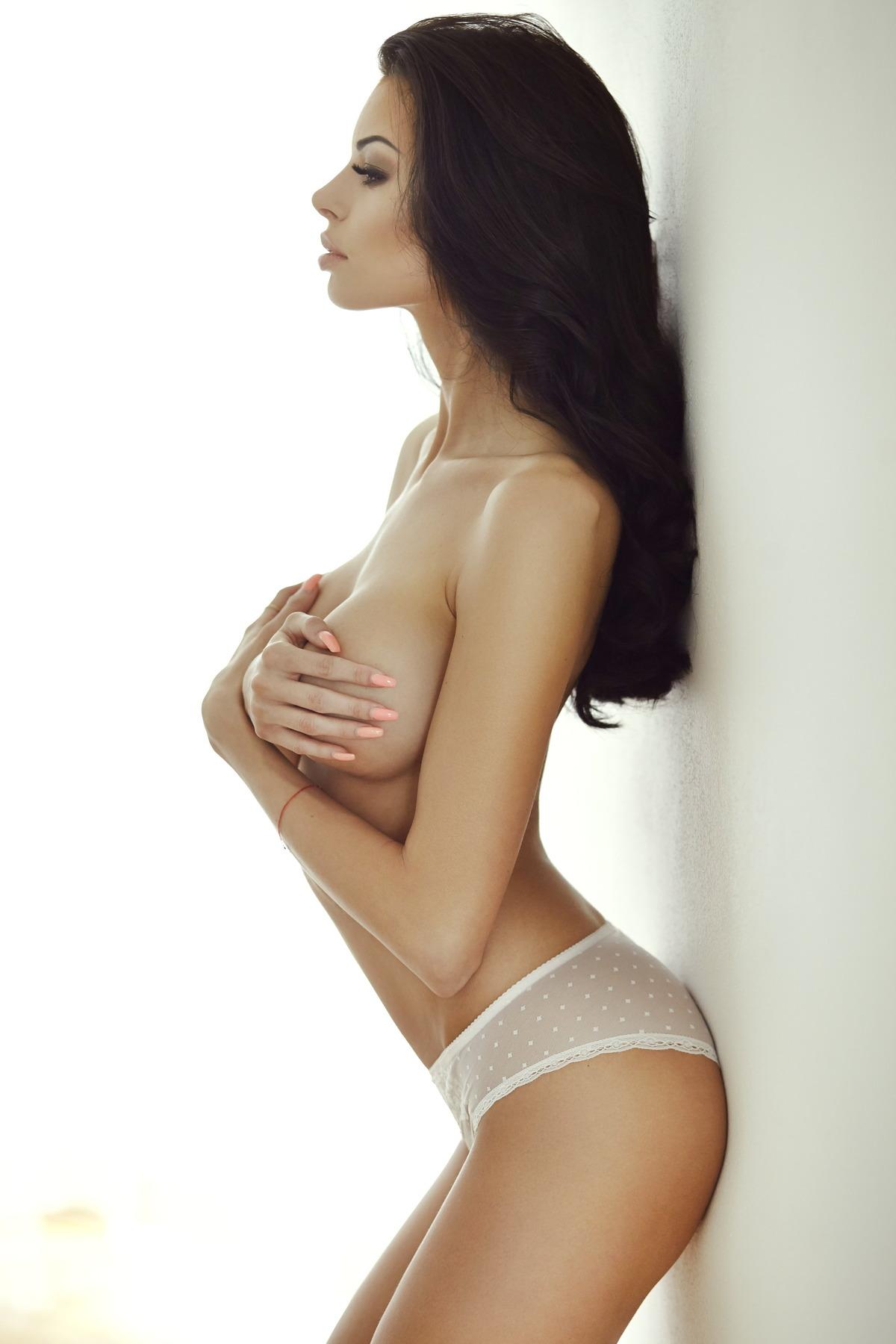 Sexy Girl zeigt Traumkörper