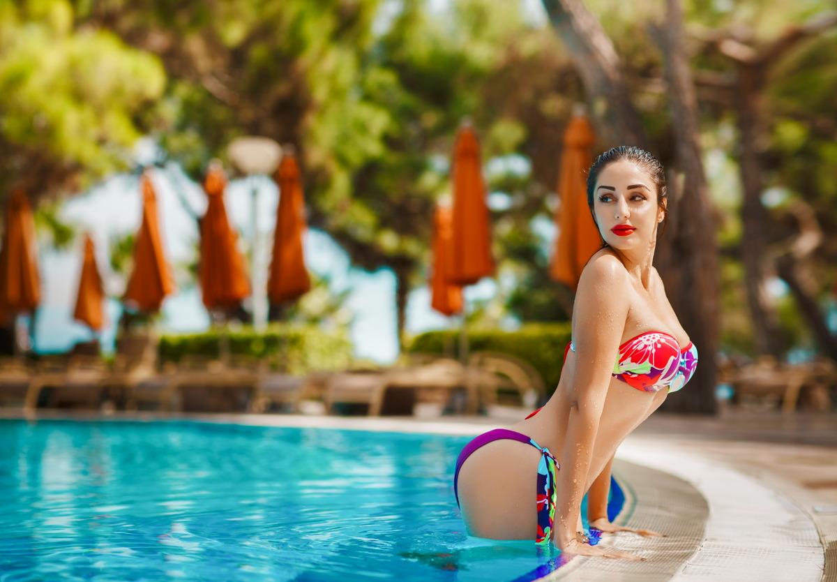 Sexy Girl im Pool