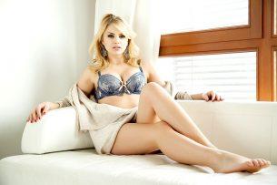 Dralle blondine
