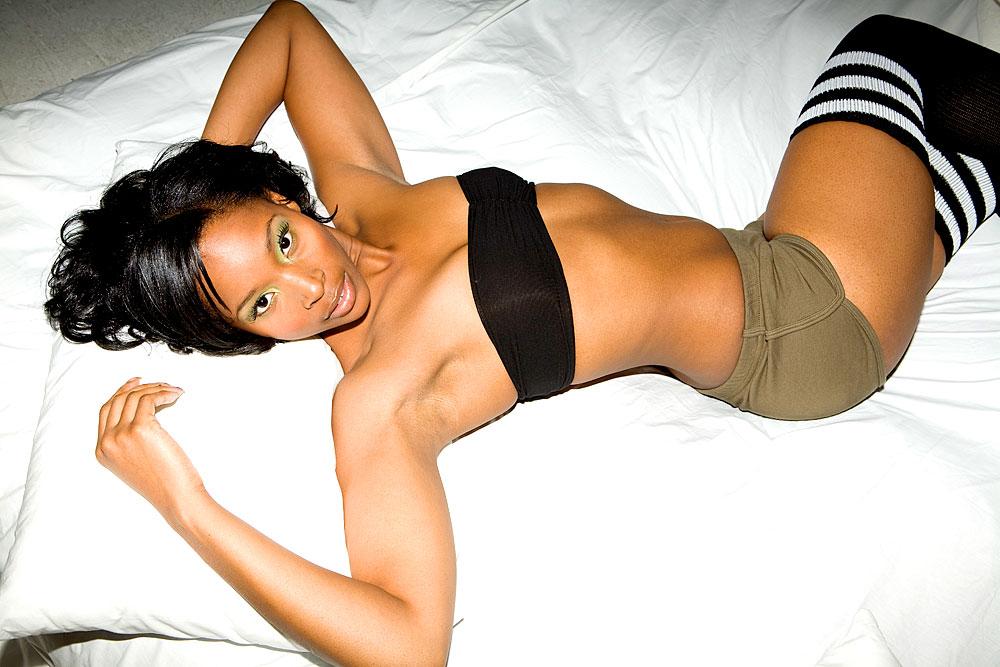 Sexy dunkelhäutiges Girl
