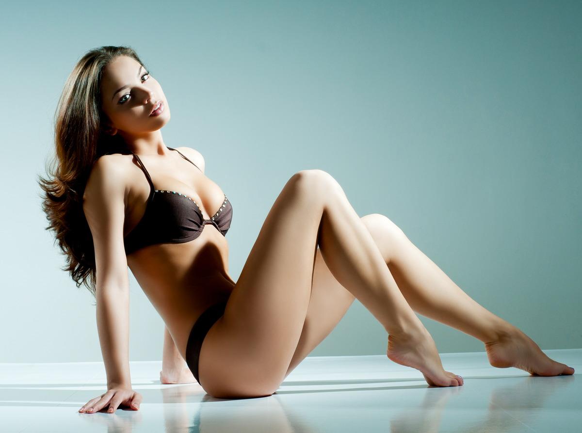 Sexy Girl auf dem Boden