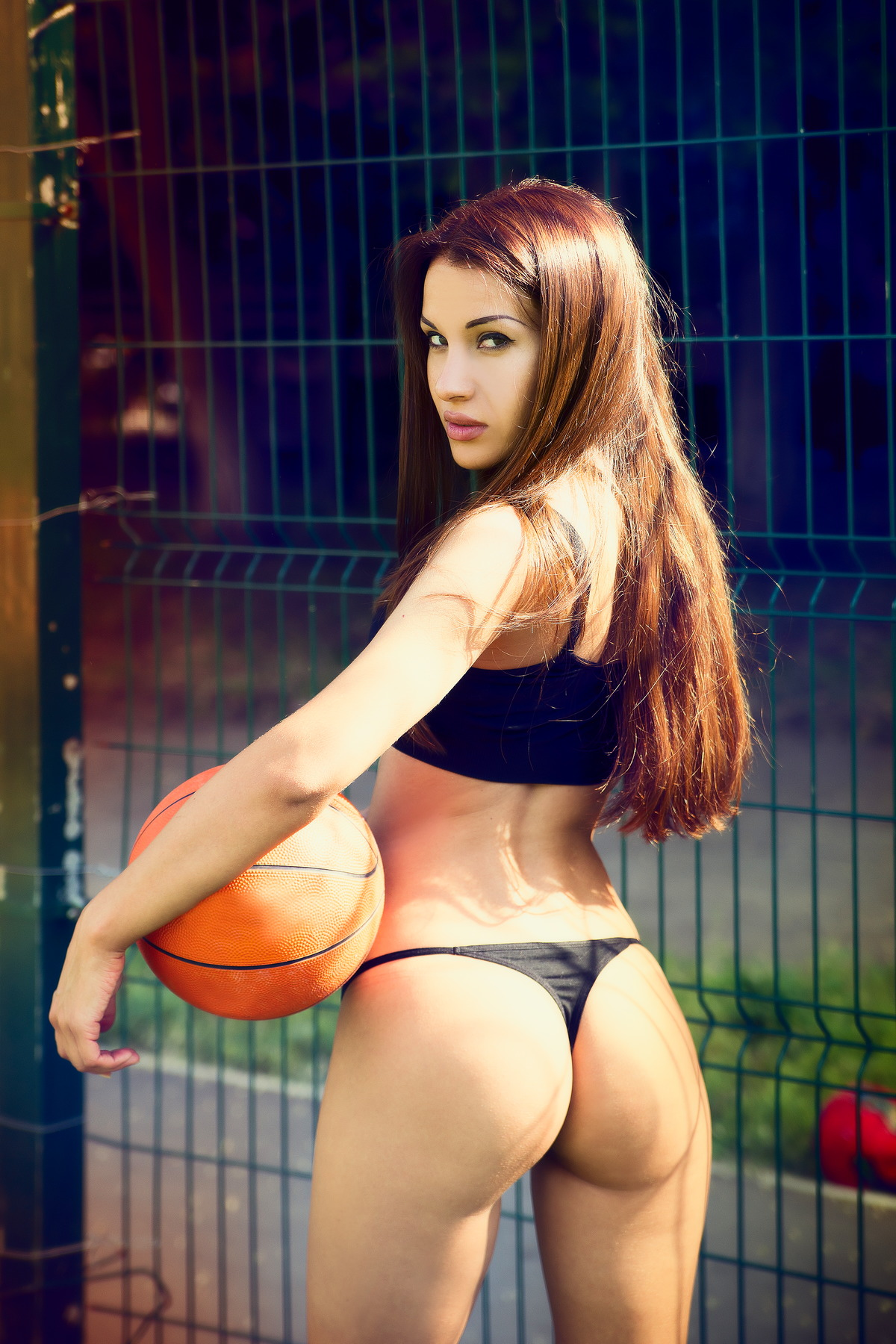 Top Girl mit Basketball