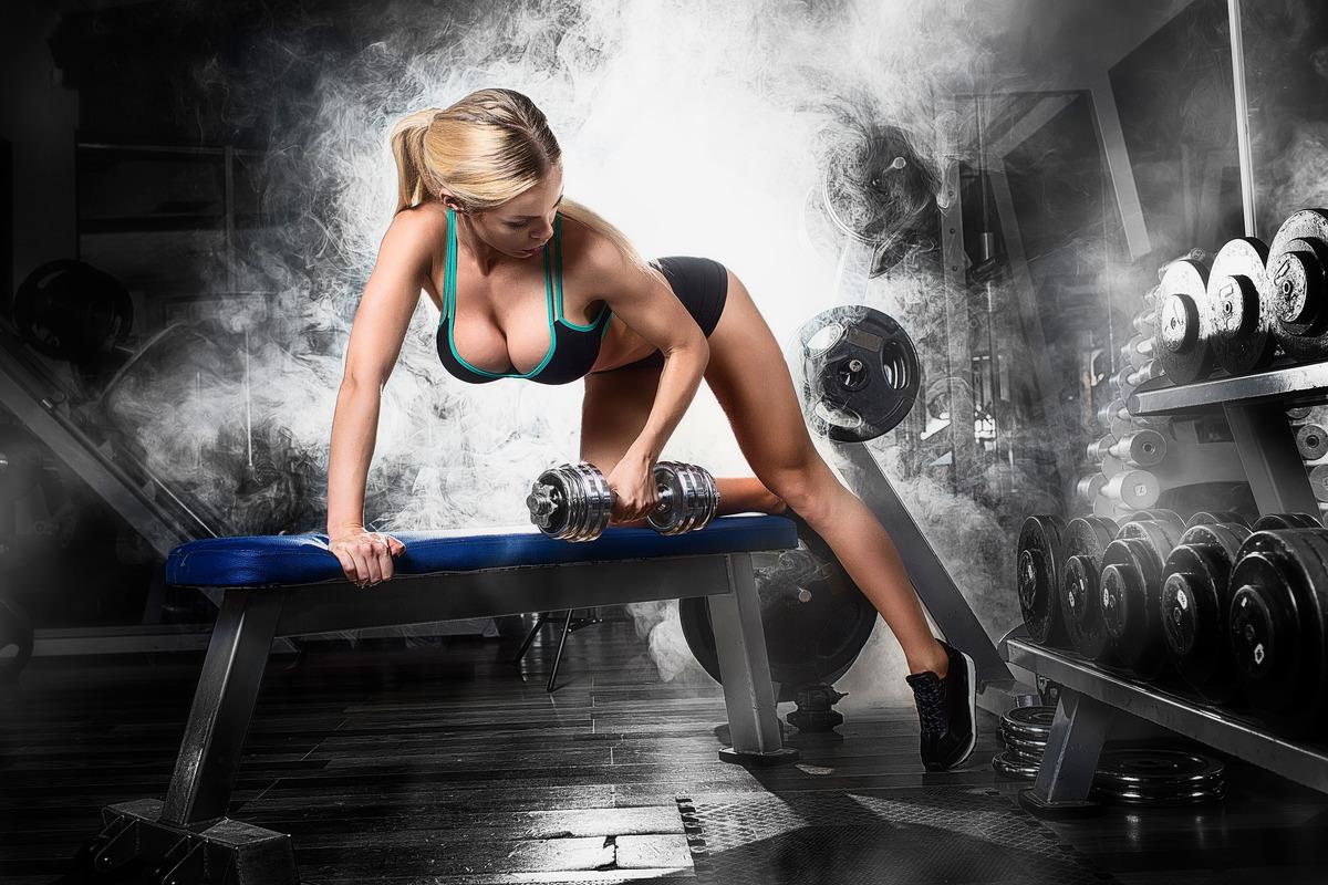 Blondine beim Workout