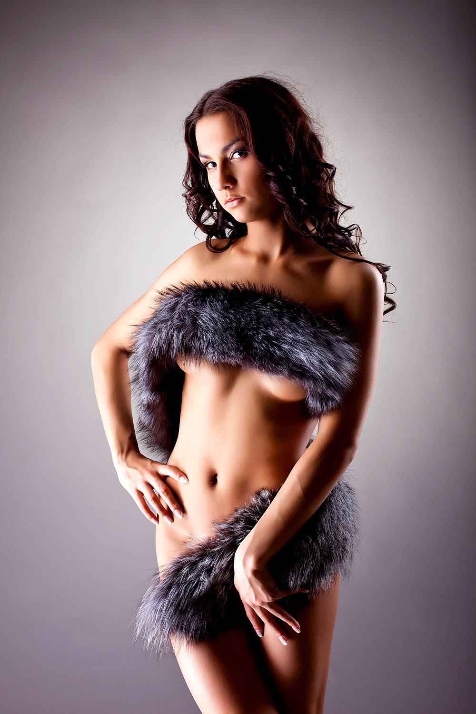 Sexy Girl mit Fell-Boa
