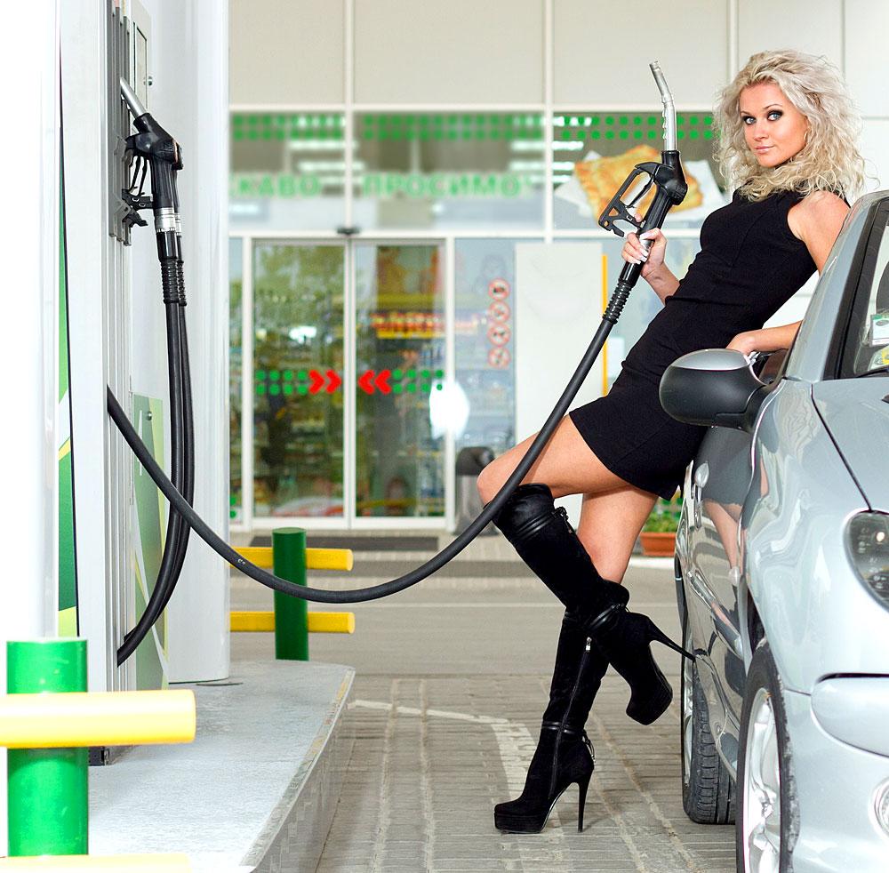Mit dem richtigen Fahrverhalten muss der Tankwart länger auf Dich warten