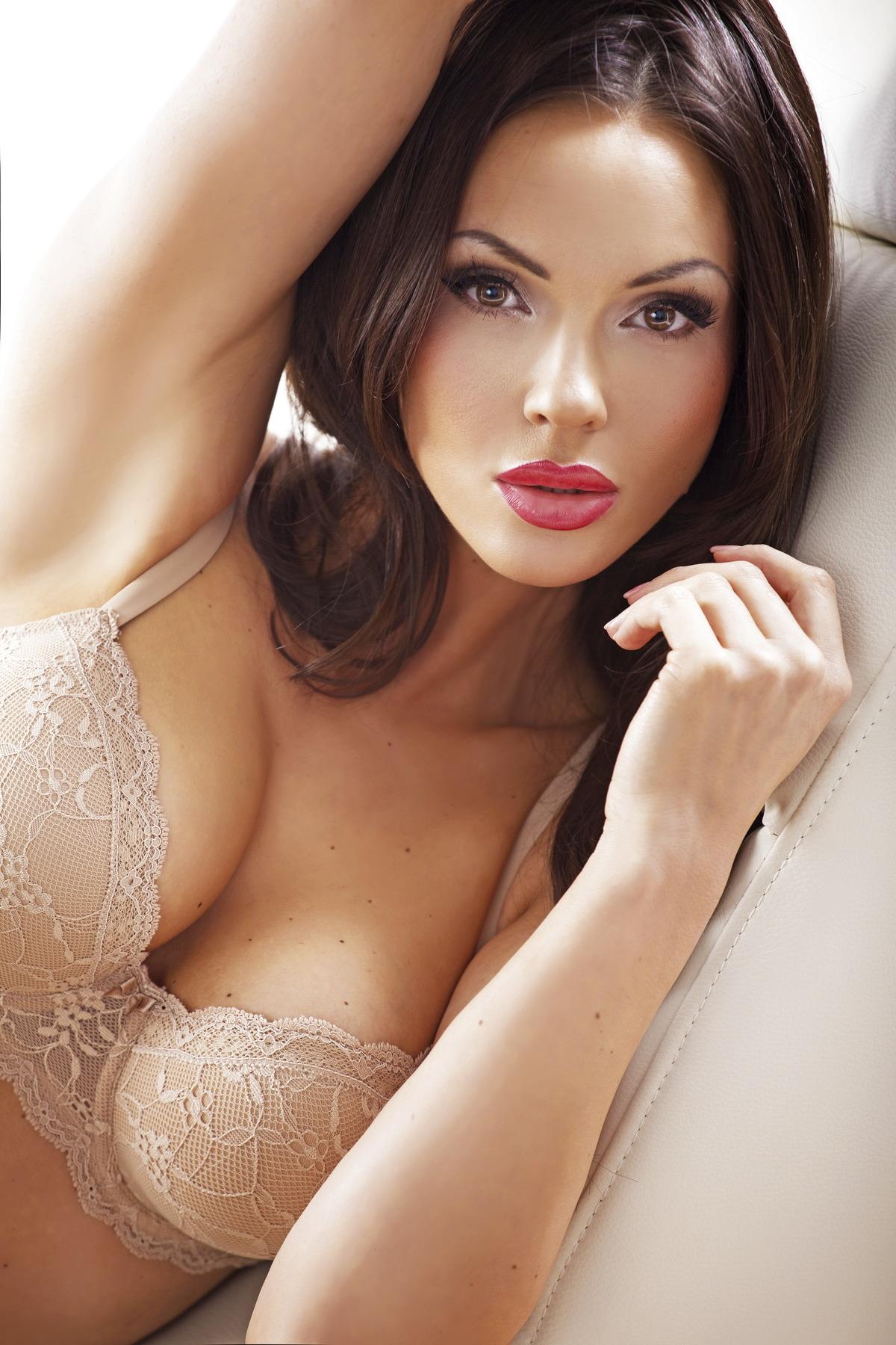 Sexy Girl mit krassem Blick