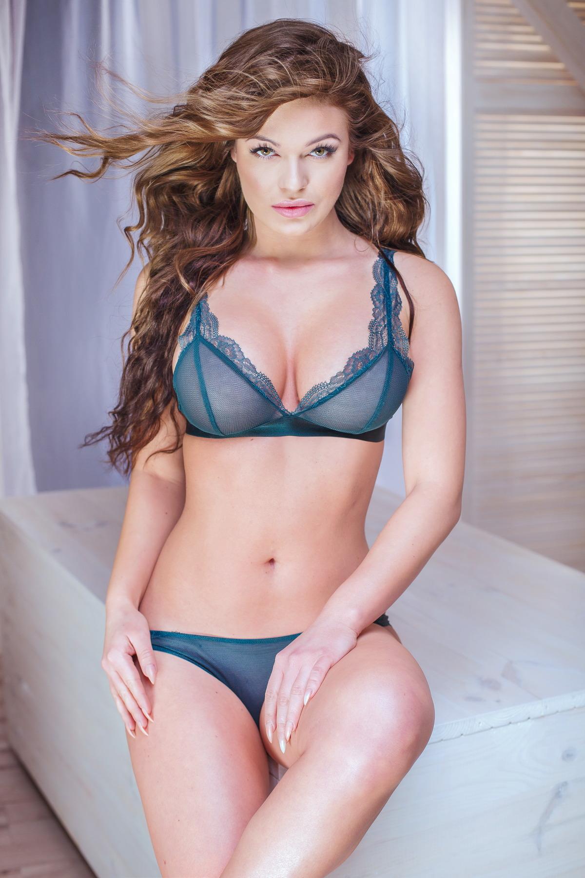 Sexy Girl im Bad