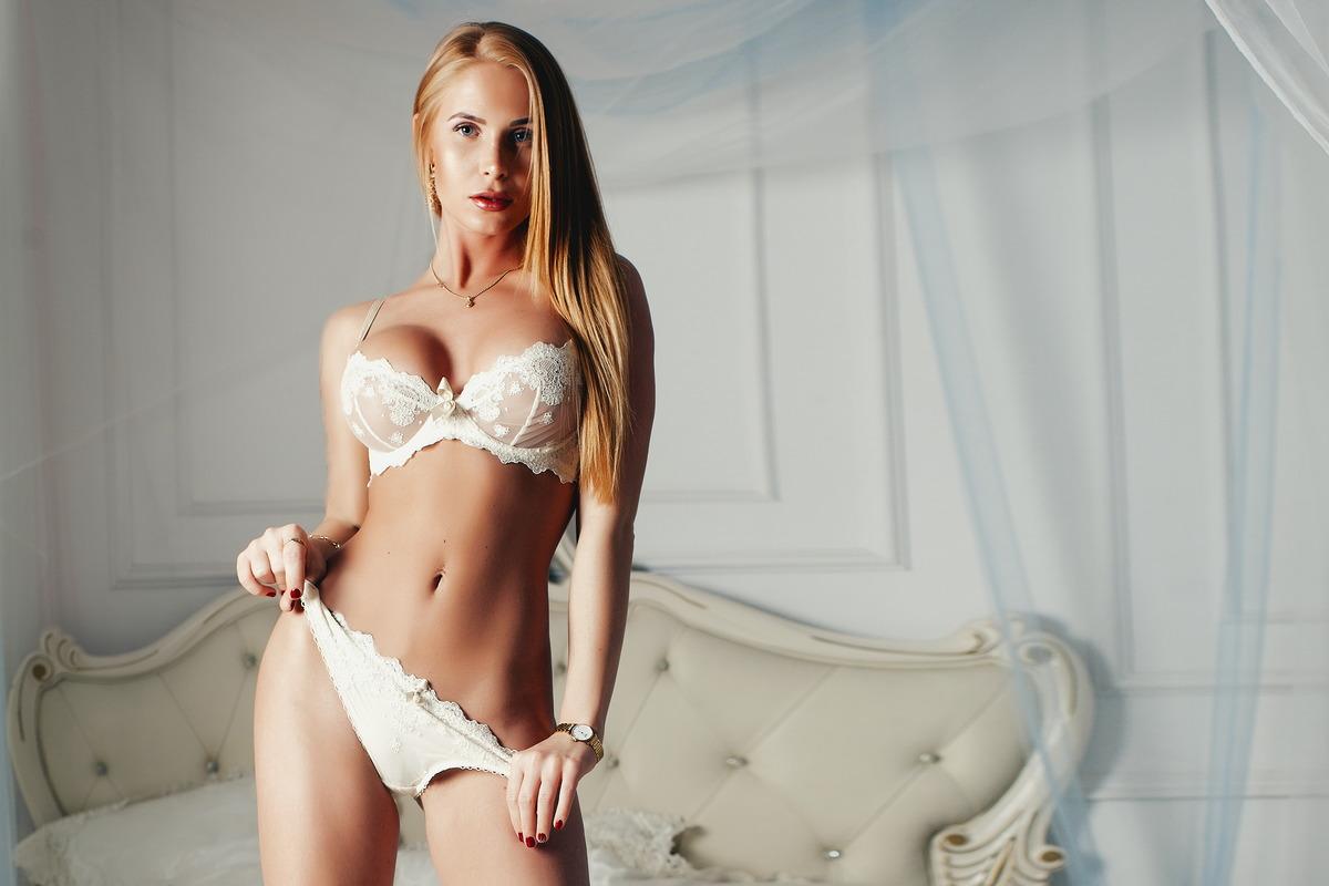 Sexy Girl im Schlafzimmer